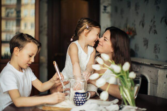 család boldogság otthon