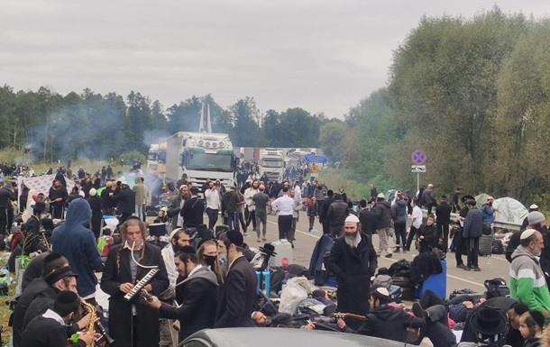 Több száz rendőrt vezényeltek Umanyba