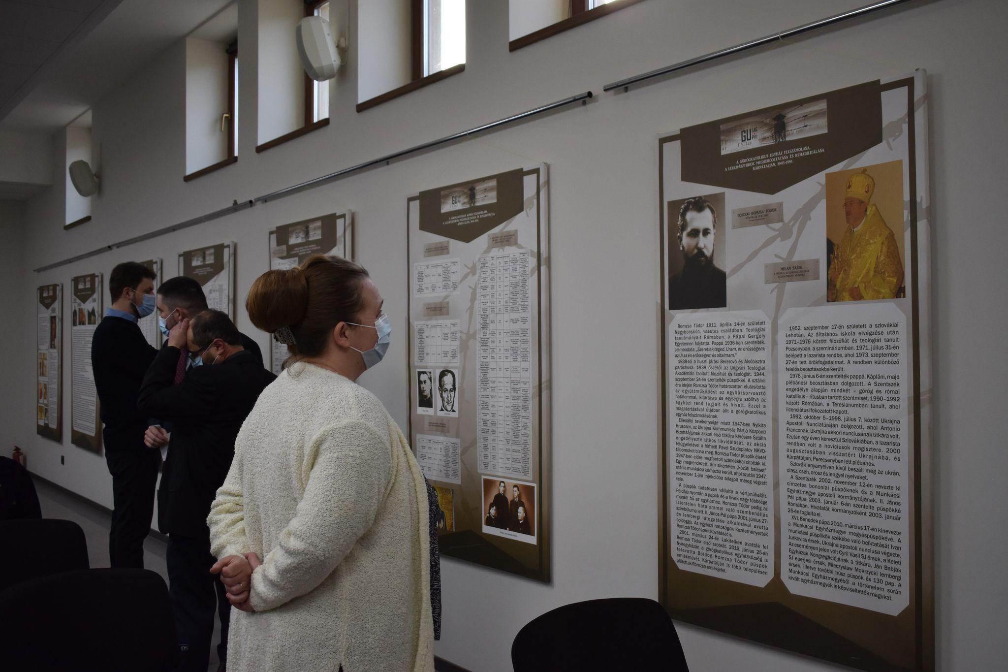 A sztálini terrort dokumentáló állandó kiállítás a munkácsi várban és az Ortutay Elemér Központban